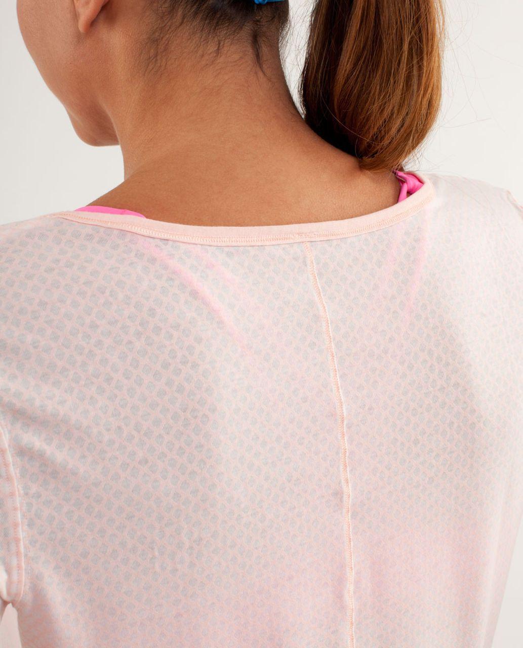 Lululemon Drish Tee - Mesh Burnout Parfait Pink / Parfait Pink