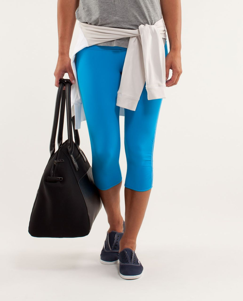 Lululemon Power Flow Crop - Beach Blanket Blue / Aquamarine