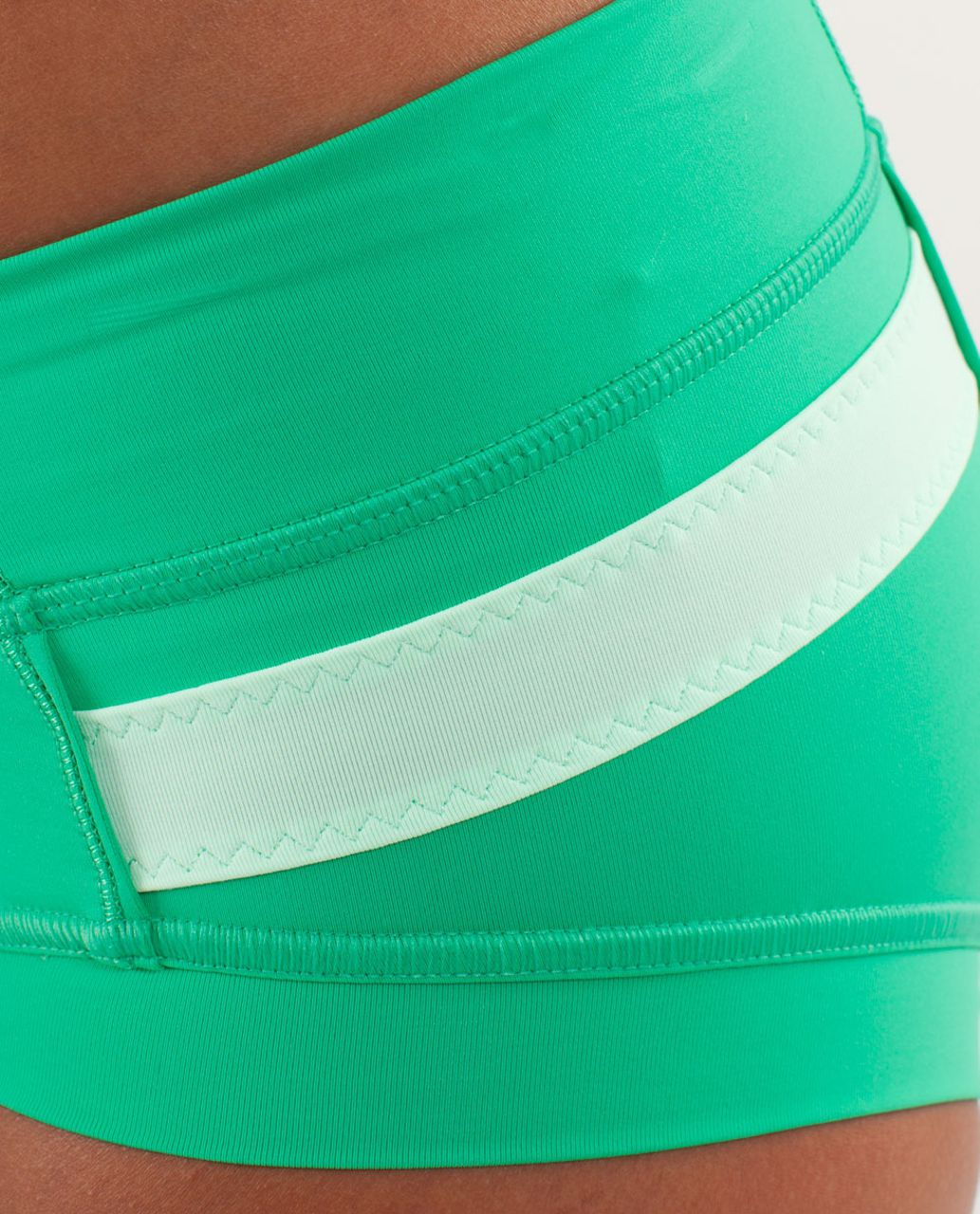 Lululemon Heat It Up Short - Very Green / Fresh Teal