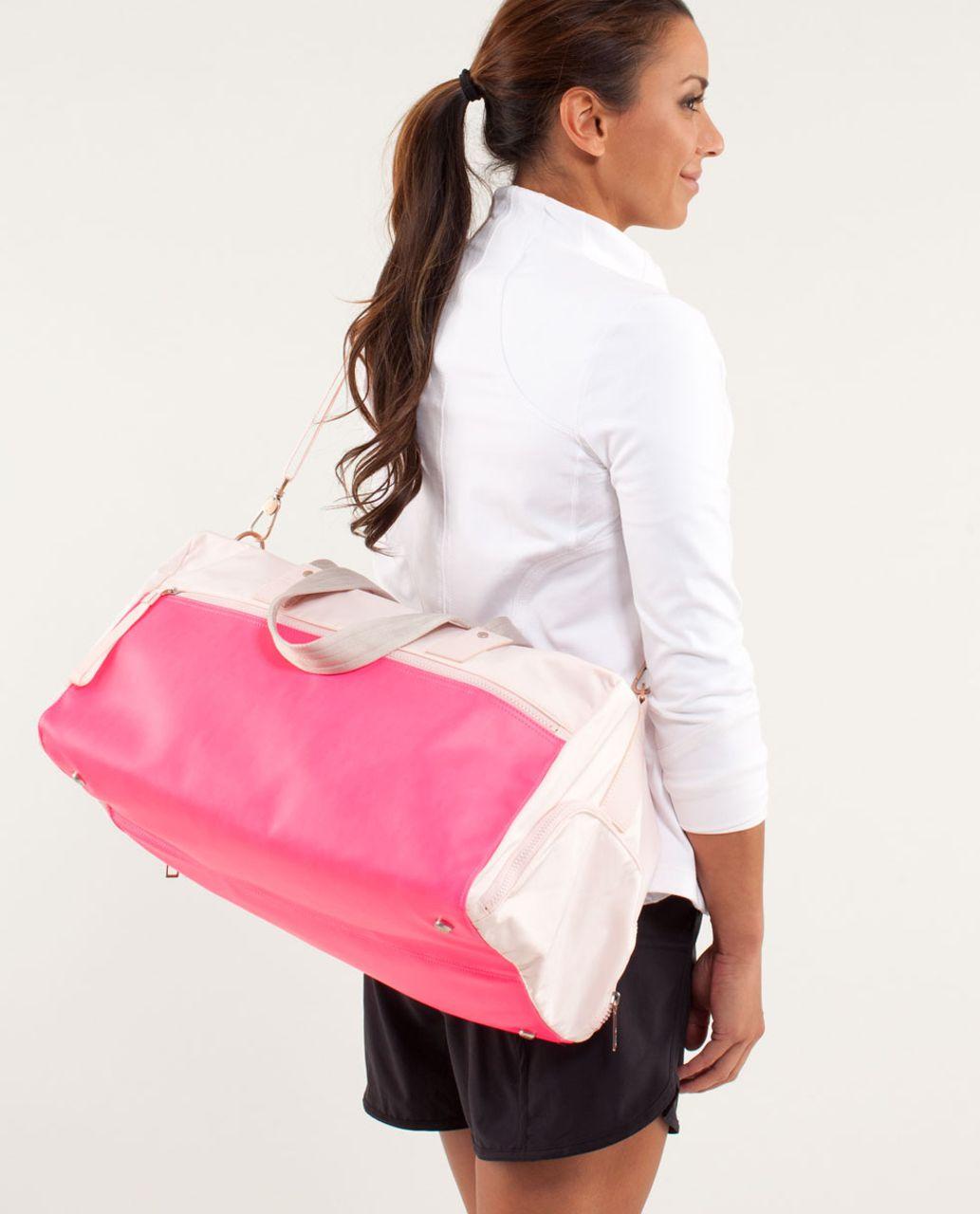 Lululemon Yoga On The Run Duffel - Parfait Pink / Pinkelicious