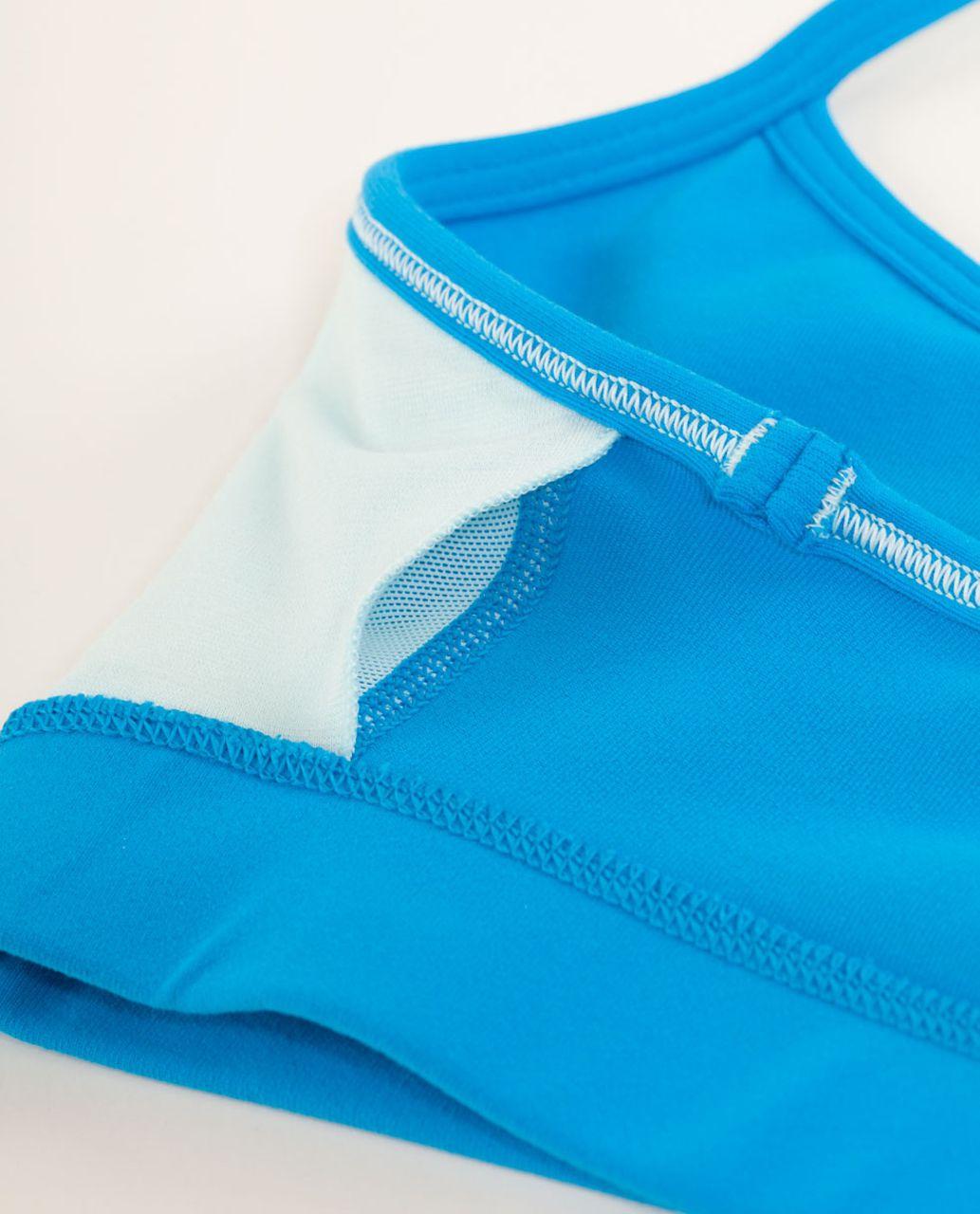 Lululemon Flow Y Bra IV - Beach Blanket Blue