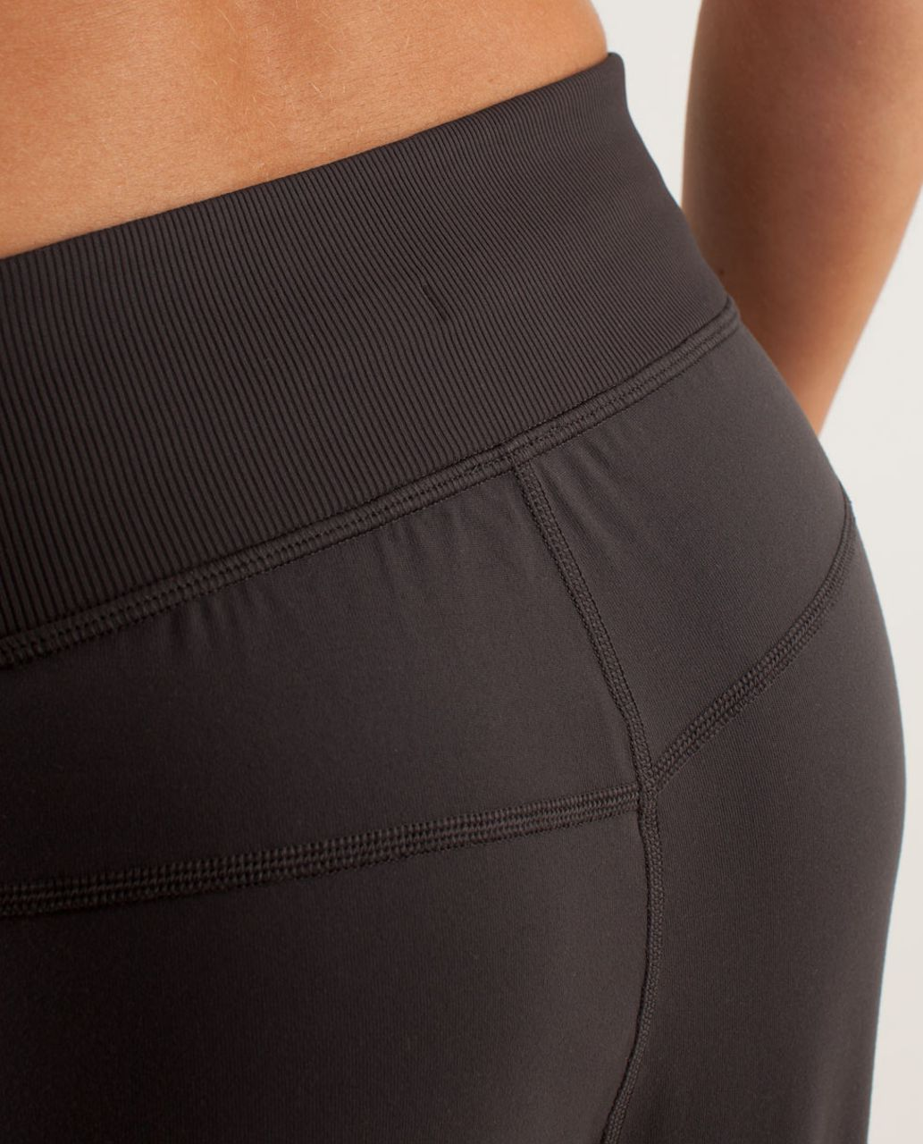 Lululemon Free Fall Crop - Soot