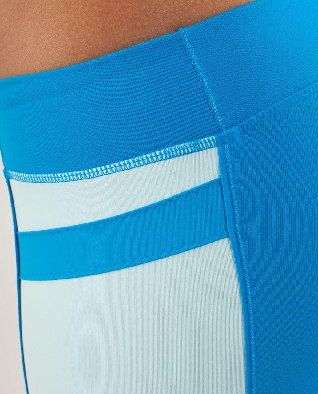 Lululemon Heat It Up Crop - Beach Blanket Blue / Aquamarine