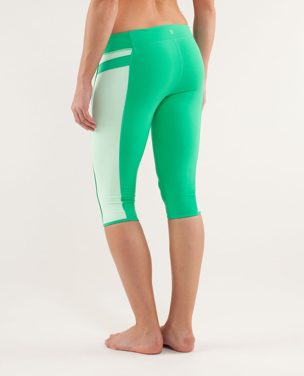 Lululemon Heat It Up Crop - Very Green / Fresh Teal