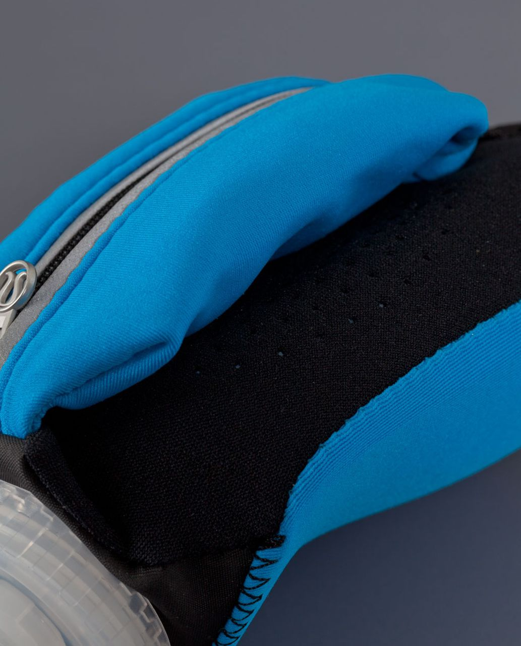 Lululemon Hydraform Handheld Hydration - Beach Blanket Blue
