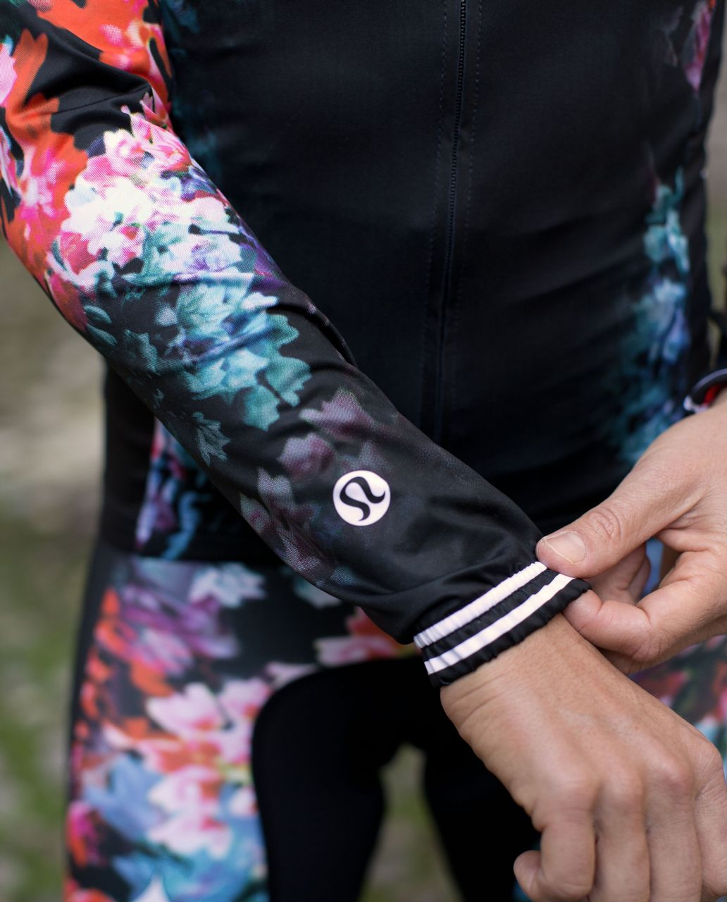 Lululemon Specialized Long Sleeve Jersey - Black