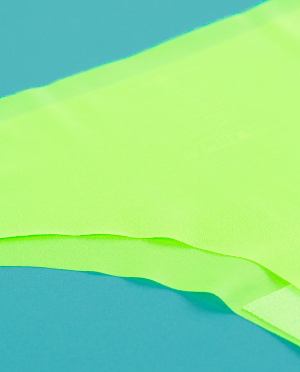Lululemon Light As Air Thong - Zippy Green