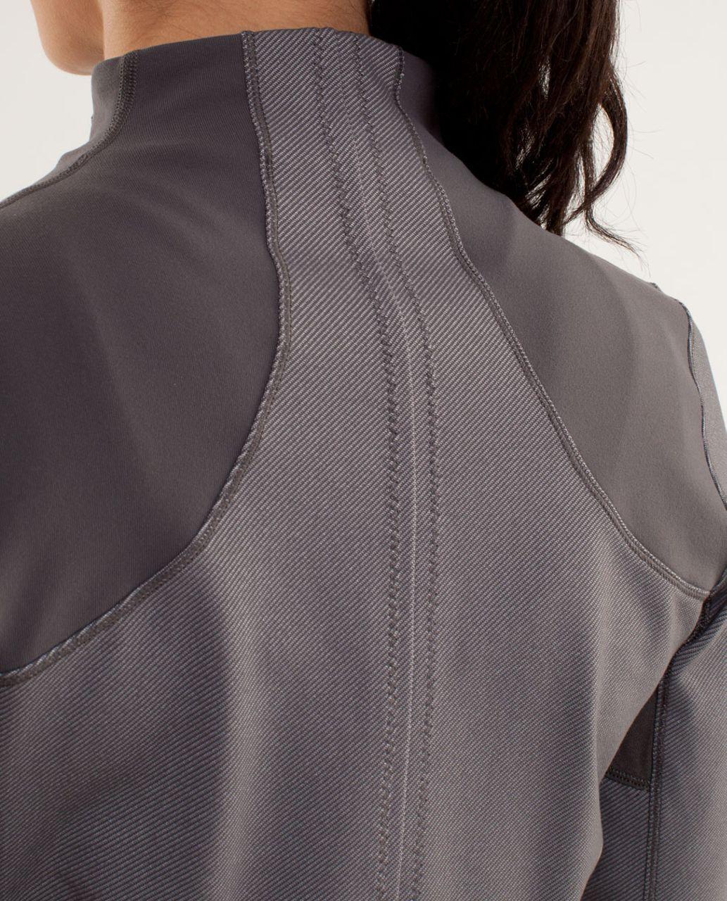 Lululemon Forme Jacket - Soot Light