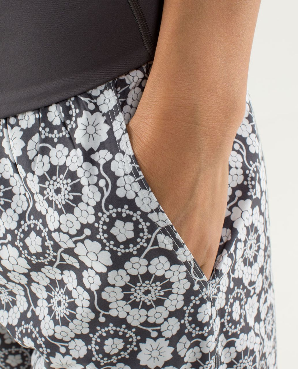 Lululemon Om Pant - Twiggy Printed Nimbus / Soot Light