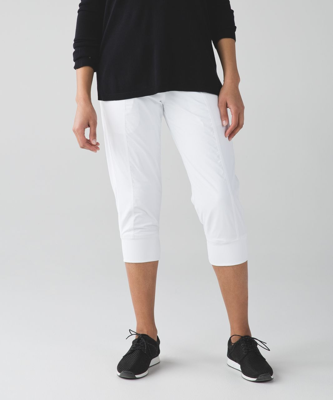 Lululemon In Flux Crop *Lined - White
