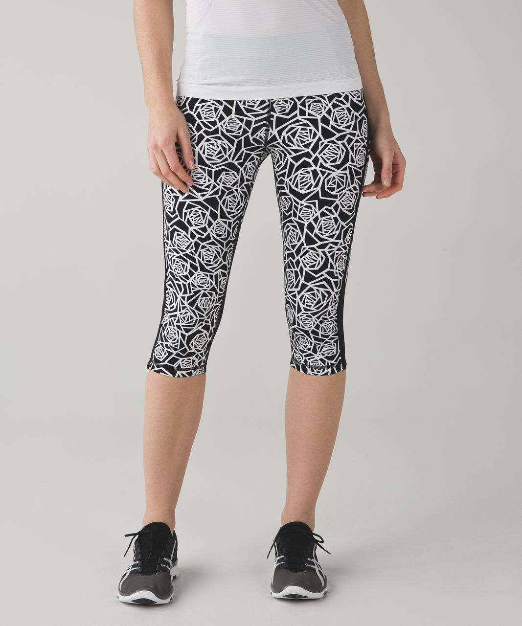 Lululemon Real Quick Crop *Full-On Luxtreme - Posey Black White / Black