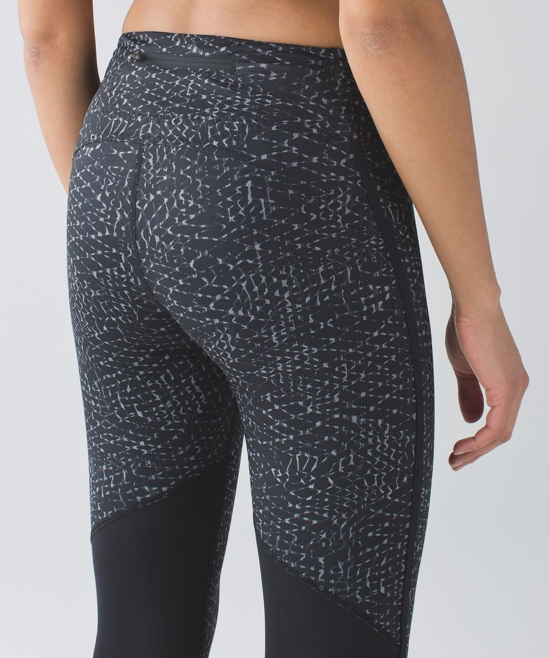 Lululemon Real Quick Crop *Full-On Luxtreme - Samba Snake Battleship Black / Black