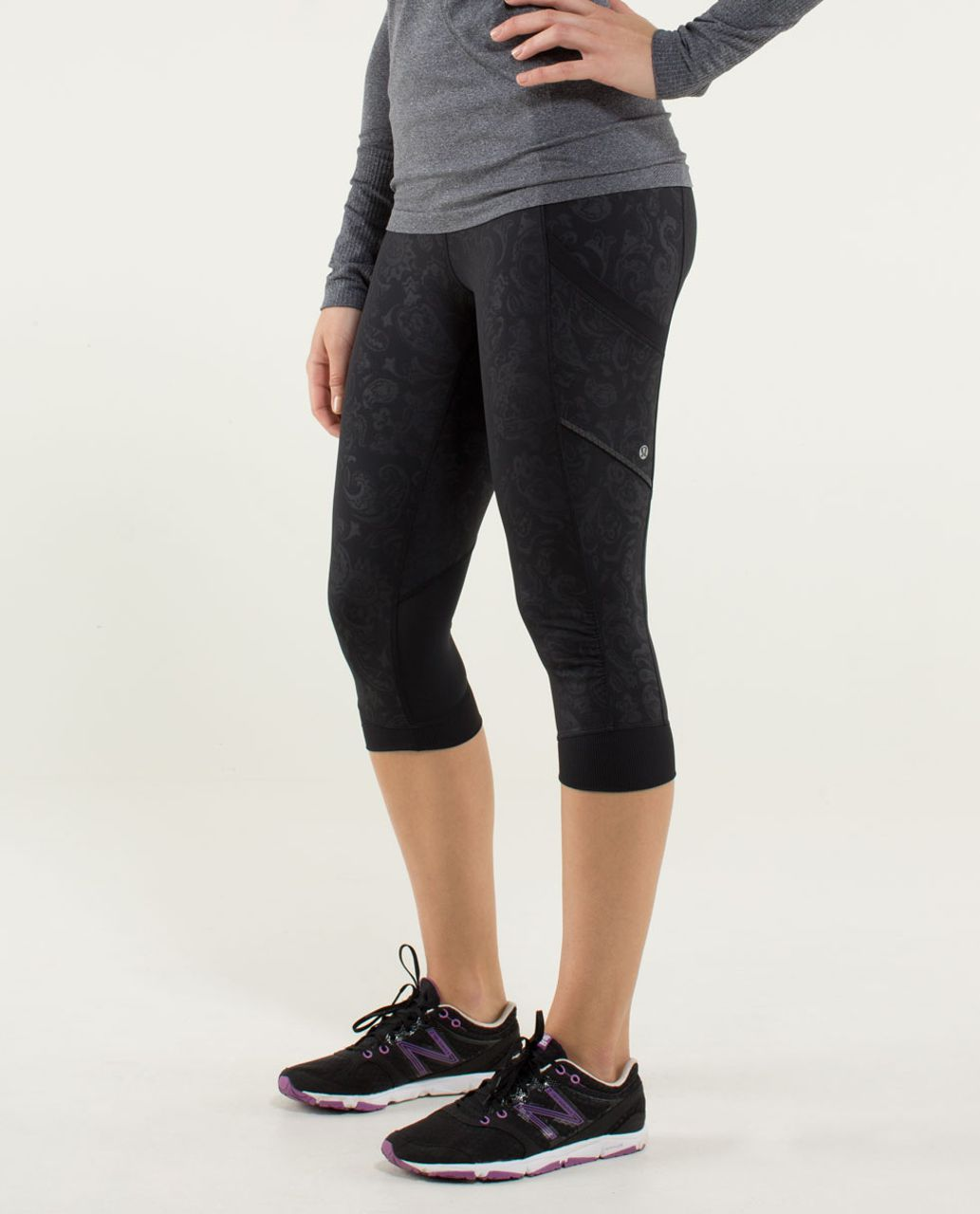 Lululemon Run For Fun Crop - Paisley Emboss Black / Black
