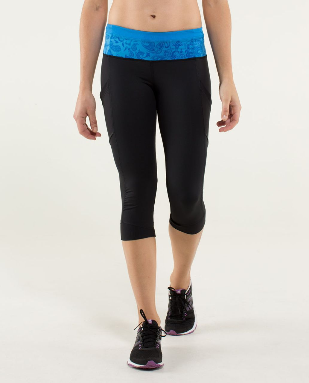 Lululemon Run For Fun Crop - Black / Paisley Cornflower / Cornflower