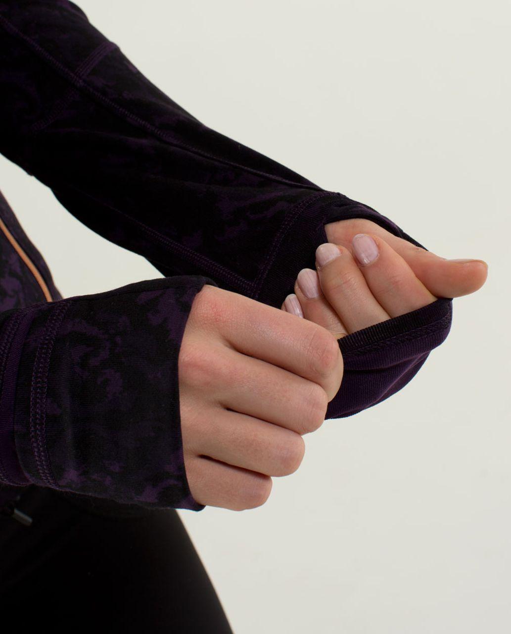 Lululemon Forme Jacket II *Textured - Beautiful Baroque Deep Zinfandel