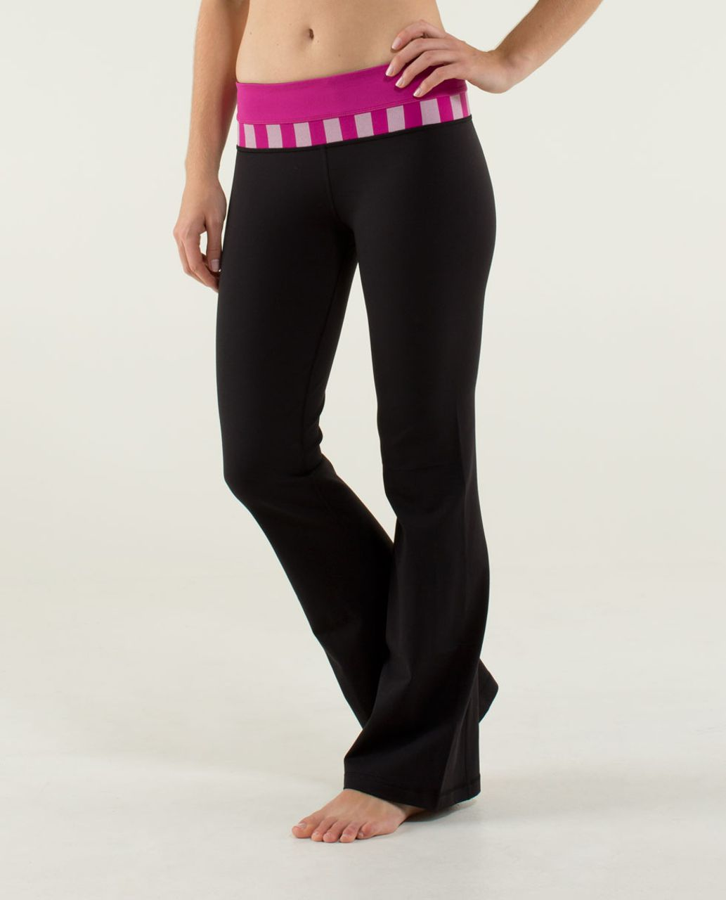 Lululemon Groove Pant (Regular) *Full-On Luon - Black / Raspberry / Micro Macro Stripe Raspberry
