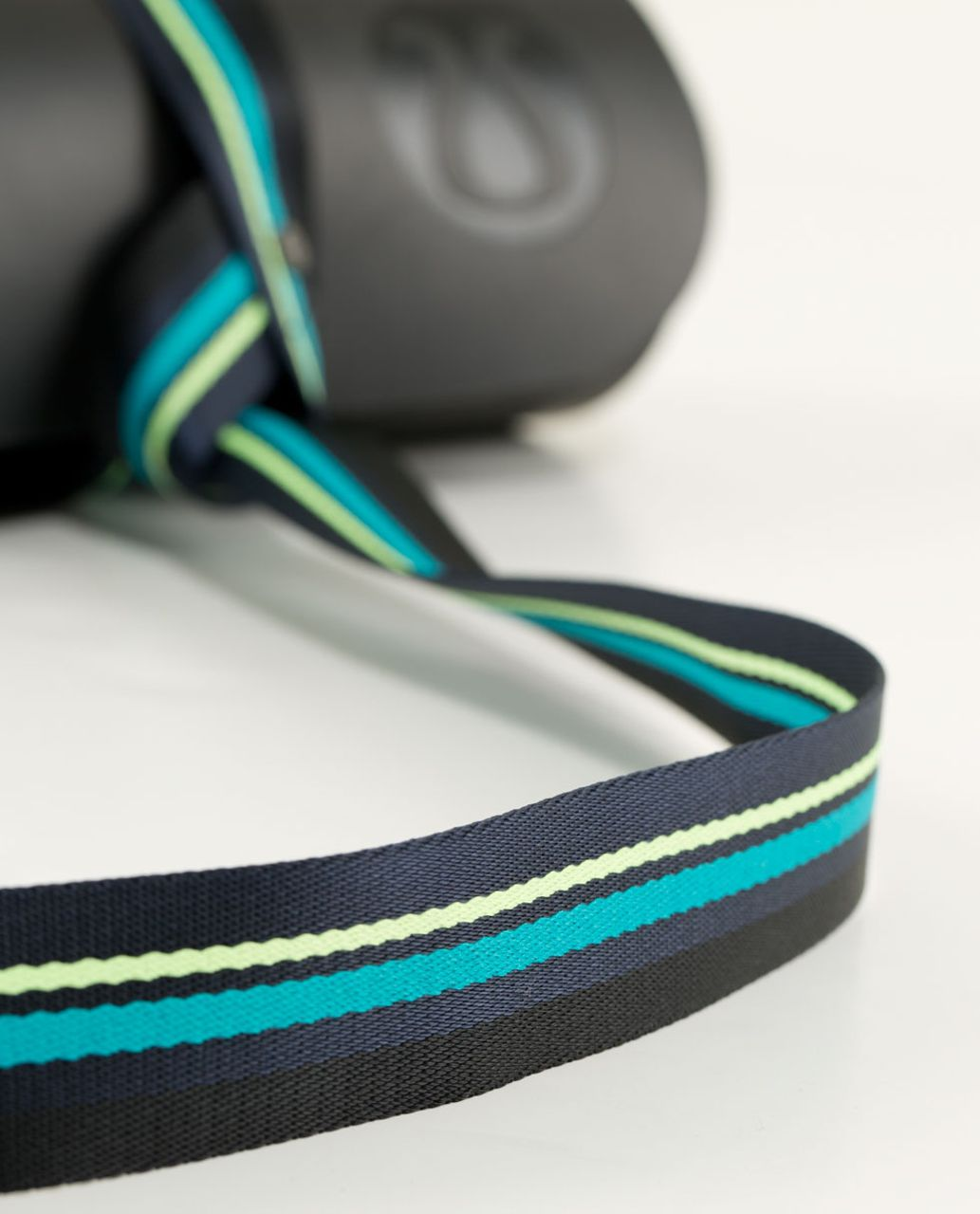 Lululemon Loop It Up Mat Strap - Black / Inkwell / Clear Mint / Surge