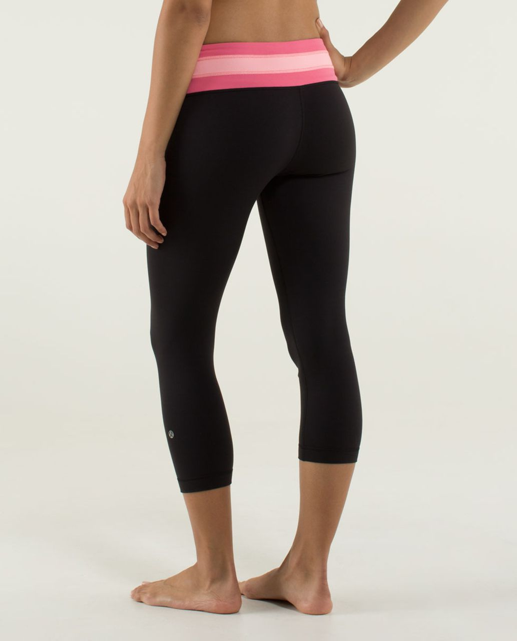Lululemon Wunder Under Crop *Full-On Luon - Black / Quilt Winter 13-01