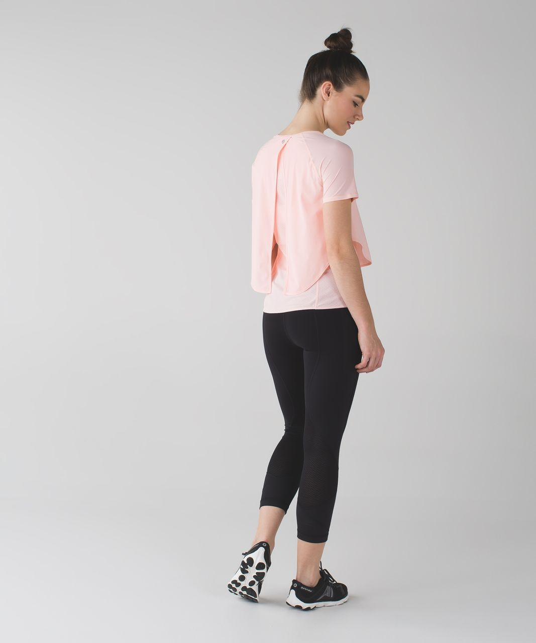Lululemon Cover Me Tee - Minty Pink