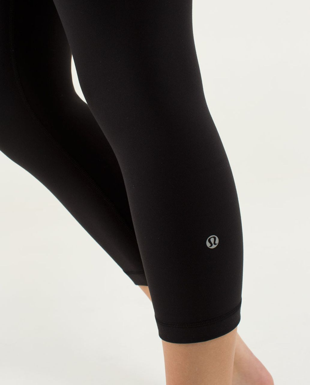 Lululemon Wunder Under Crop *Full-On Luon - Black / Quilt Winter 13-09