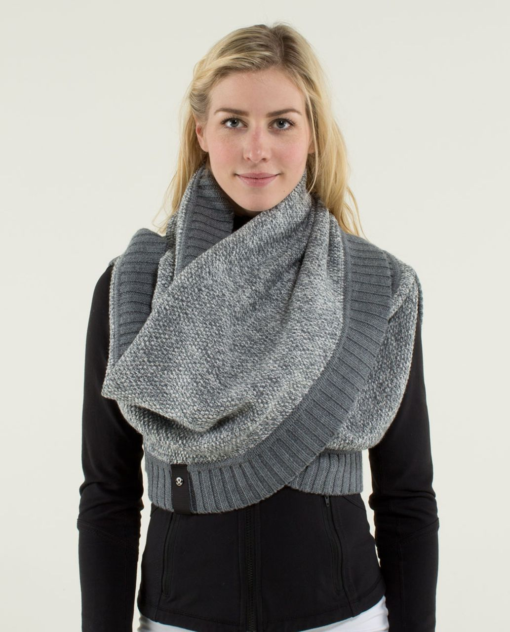 Lululemon Cozy Yogi Infinity Scarf Heathered Medium Grey