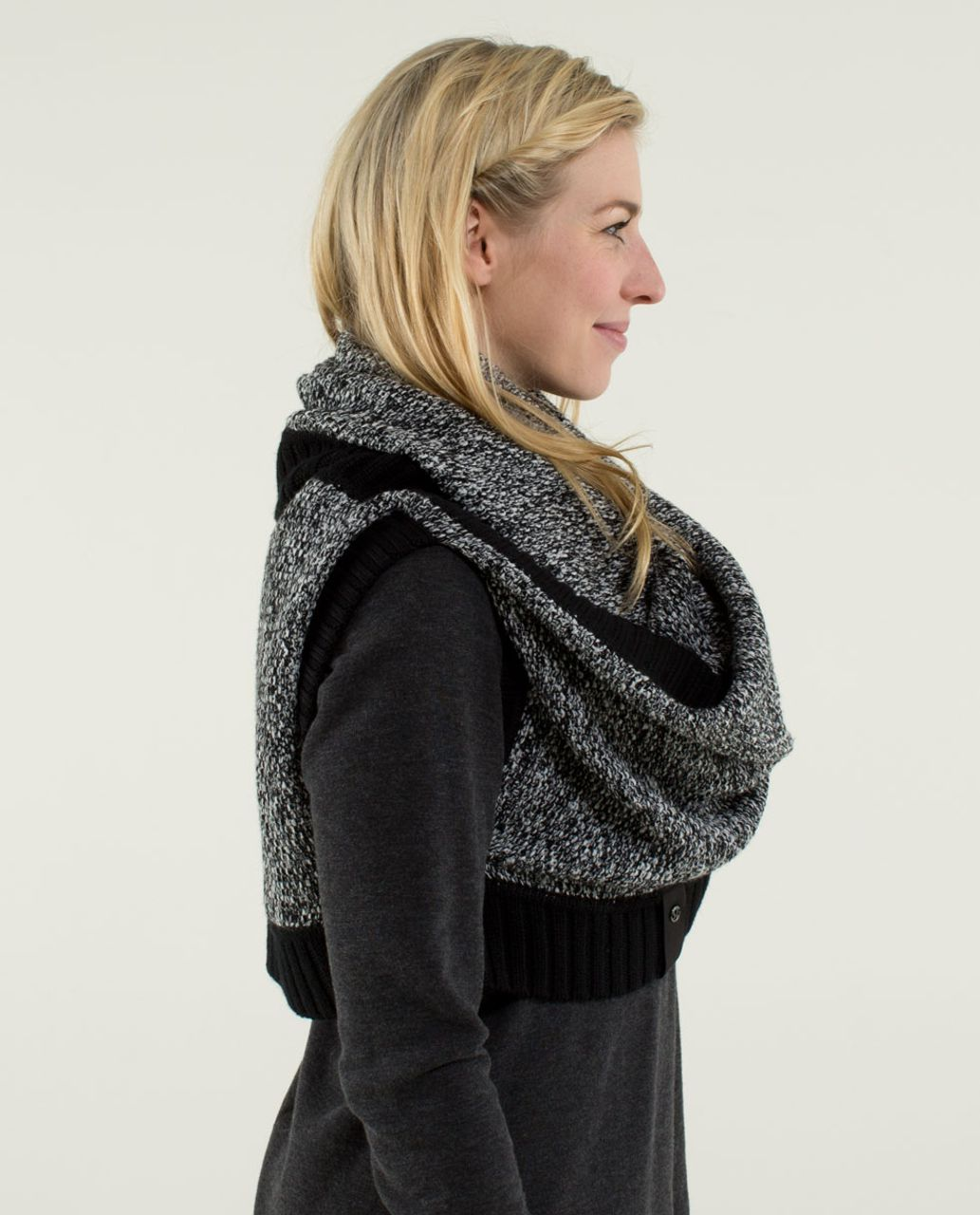 Lululemon Cozy Yogi Infinity Scarf Black Angel Wing