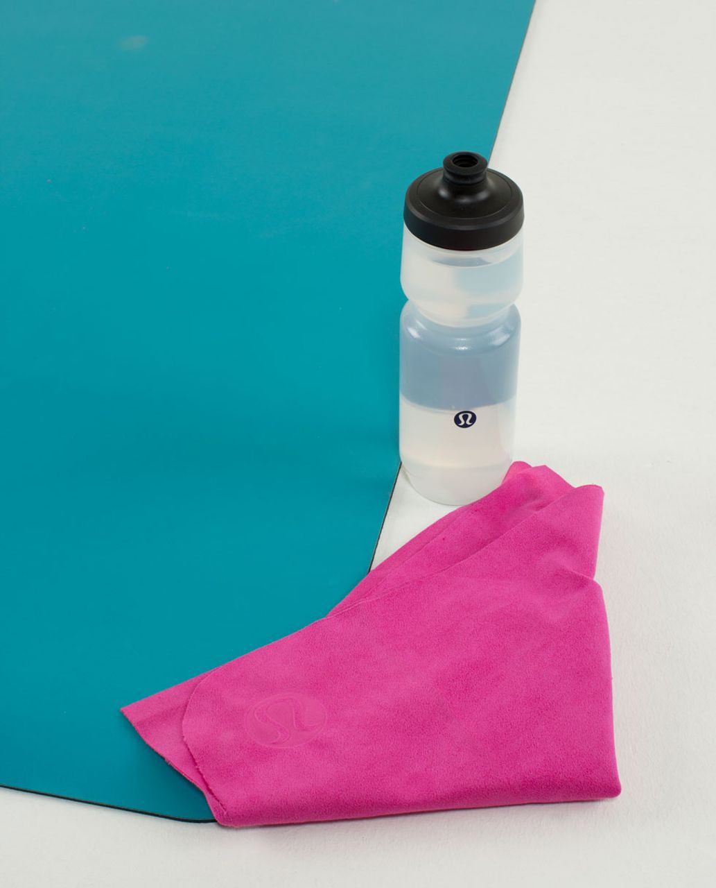 Lululemon The (Small) Towel - Paris Perfection