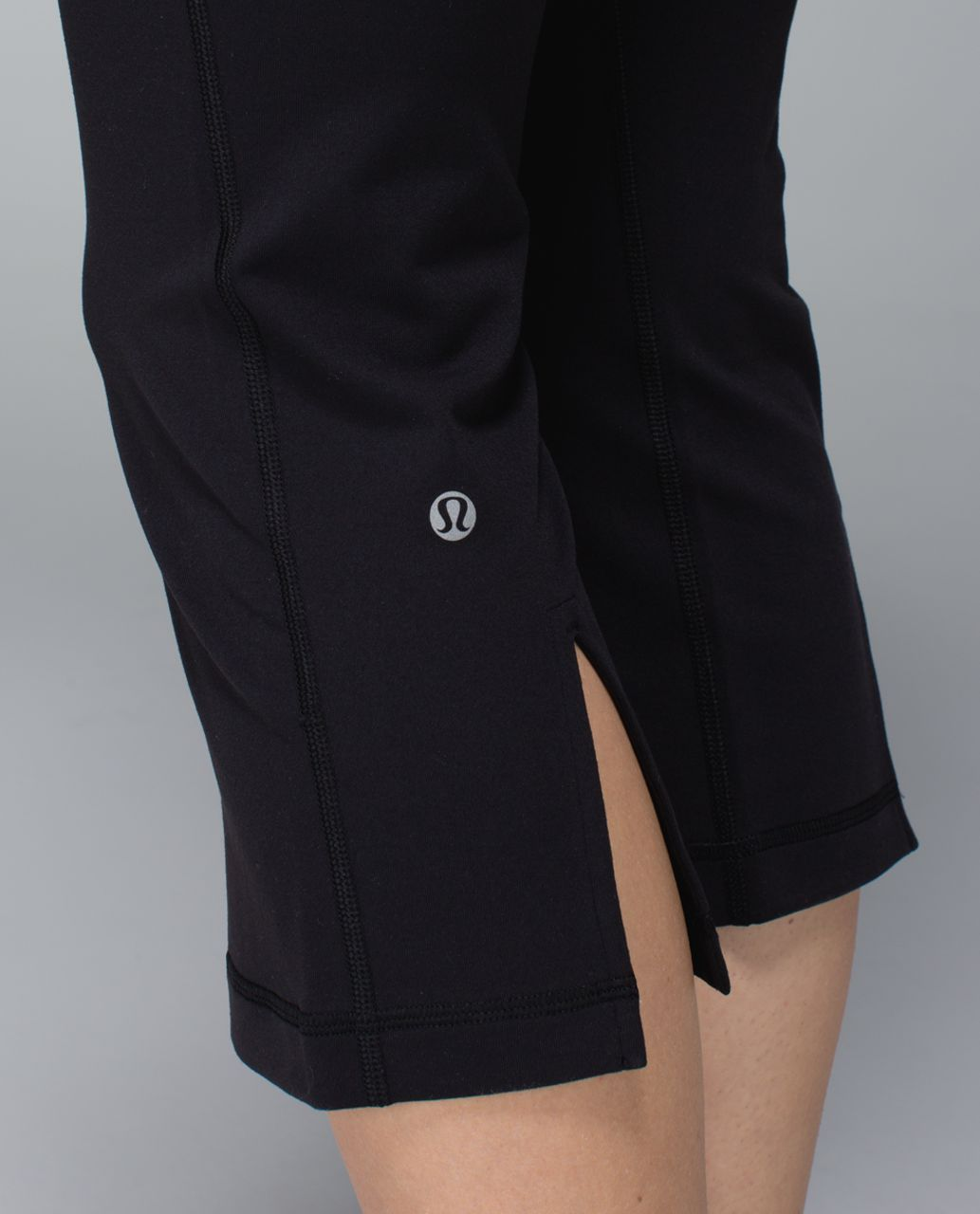 Lululemon Gather & Crow Crop *Full-On Luon - Black / Quilt Winter 13-15