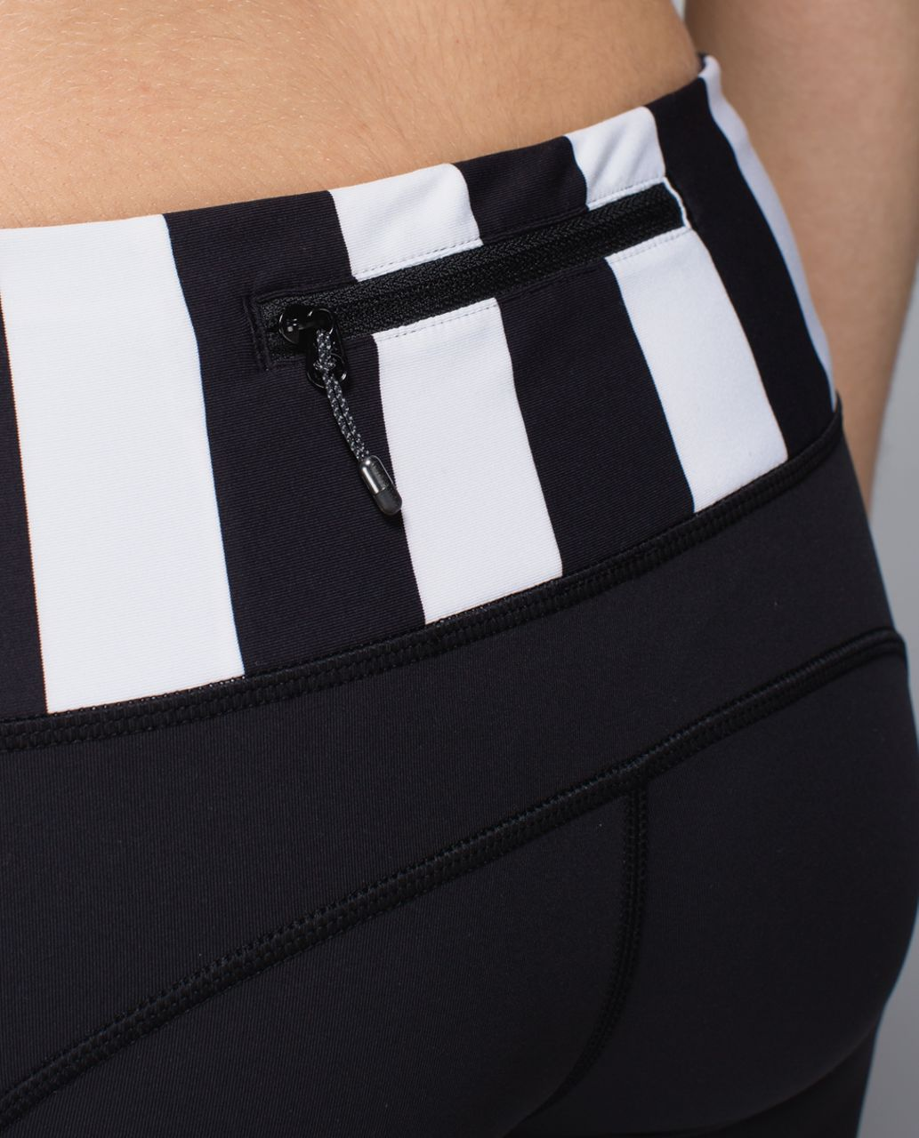 Lululemon Speed Tight *Brushed Interlock - Black / Straightup Stripe Black White