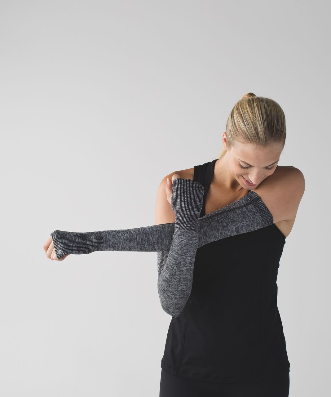 Lululemon Swiftly Arm Warmers - Heathered Black