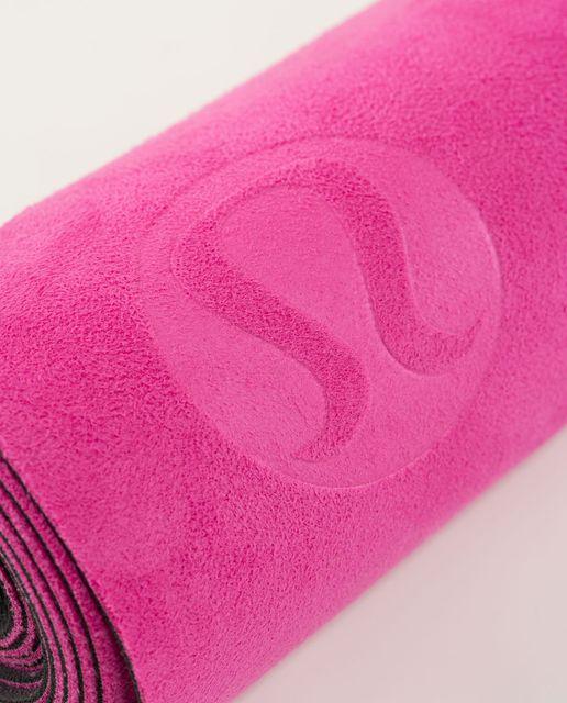 46b0411359 Lululemon The Hot (Towel) Mat - Plush Petal Black Ghost / Almost ...