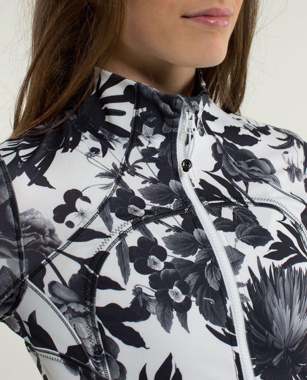 Lululemon Forme Jacket II *Textured - Brisk Bloom Black White