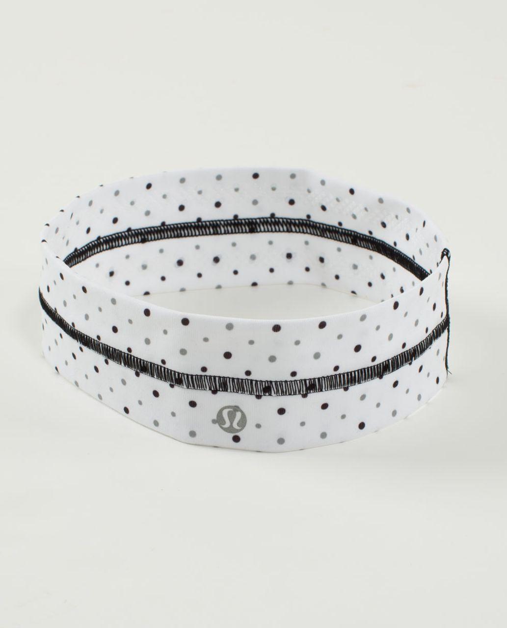 Lululemon Fly Away Tamer Headband - Chevron Dot White