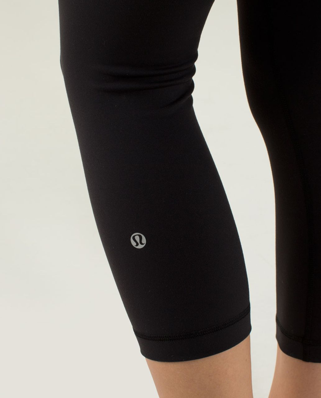 Lululemon Wunder Under Crop *Full-On Luon - Black / Quilt Winter 13-29