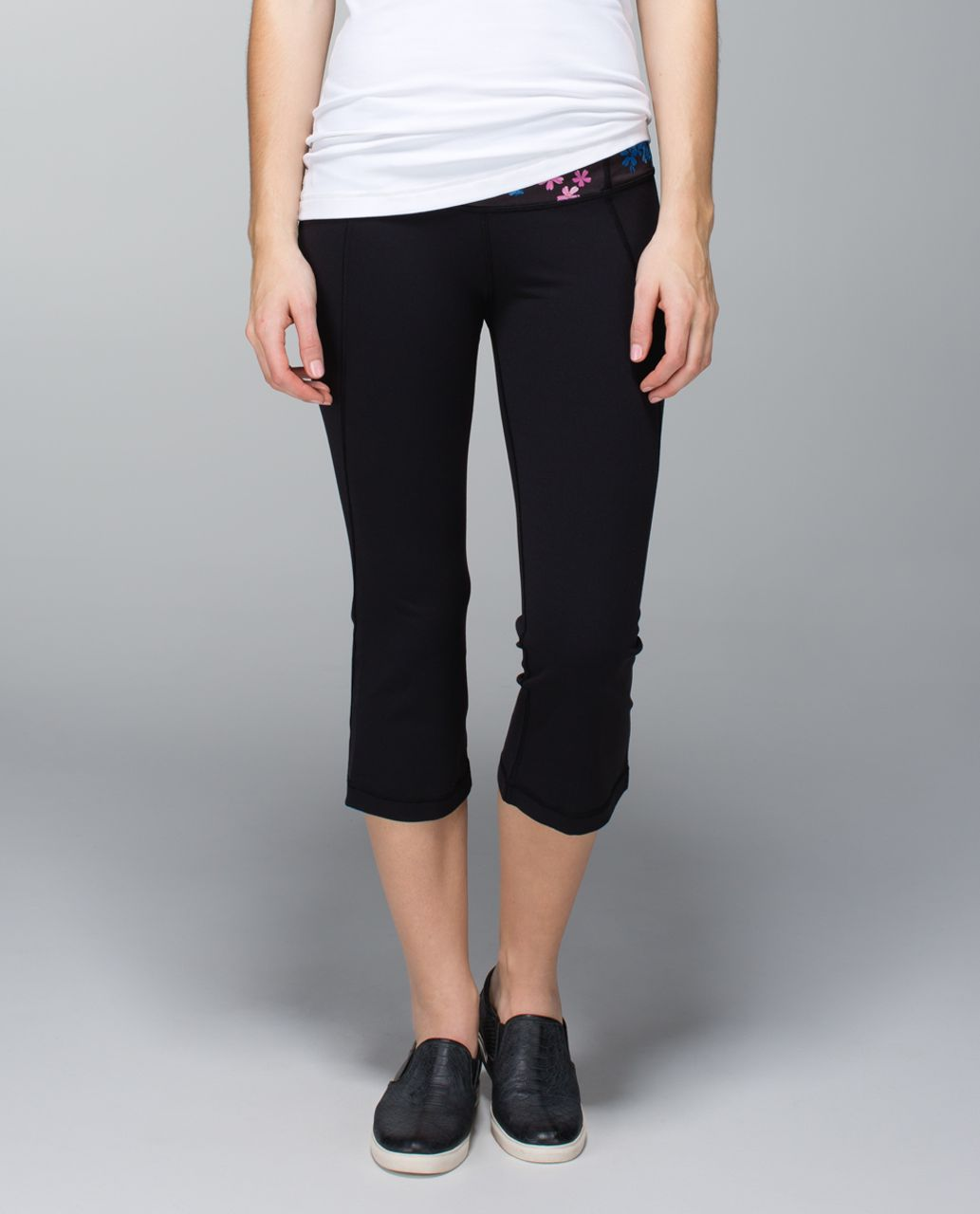 Lululemon Gather & Crow Crop *Full-On Luon - Black / Petal Pop Multi