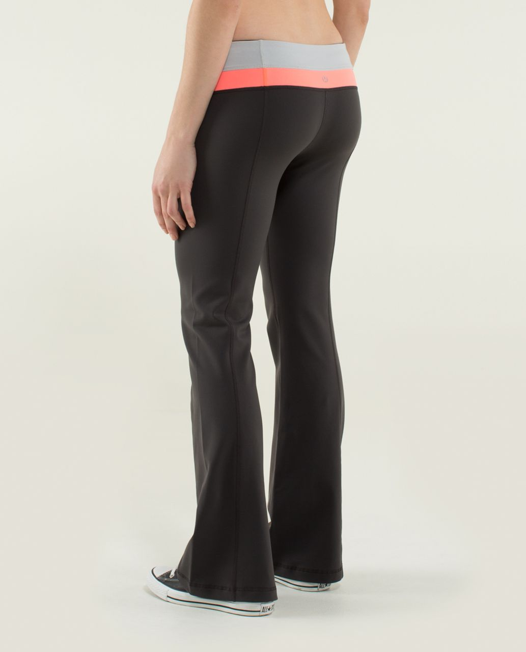 Lululemon Groove Pant (Regular) *Full-On Luon - Soot / Silver Spoon / Very Light Flare
