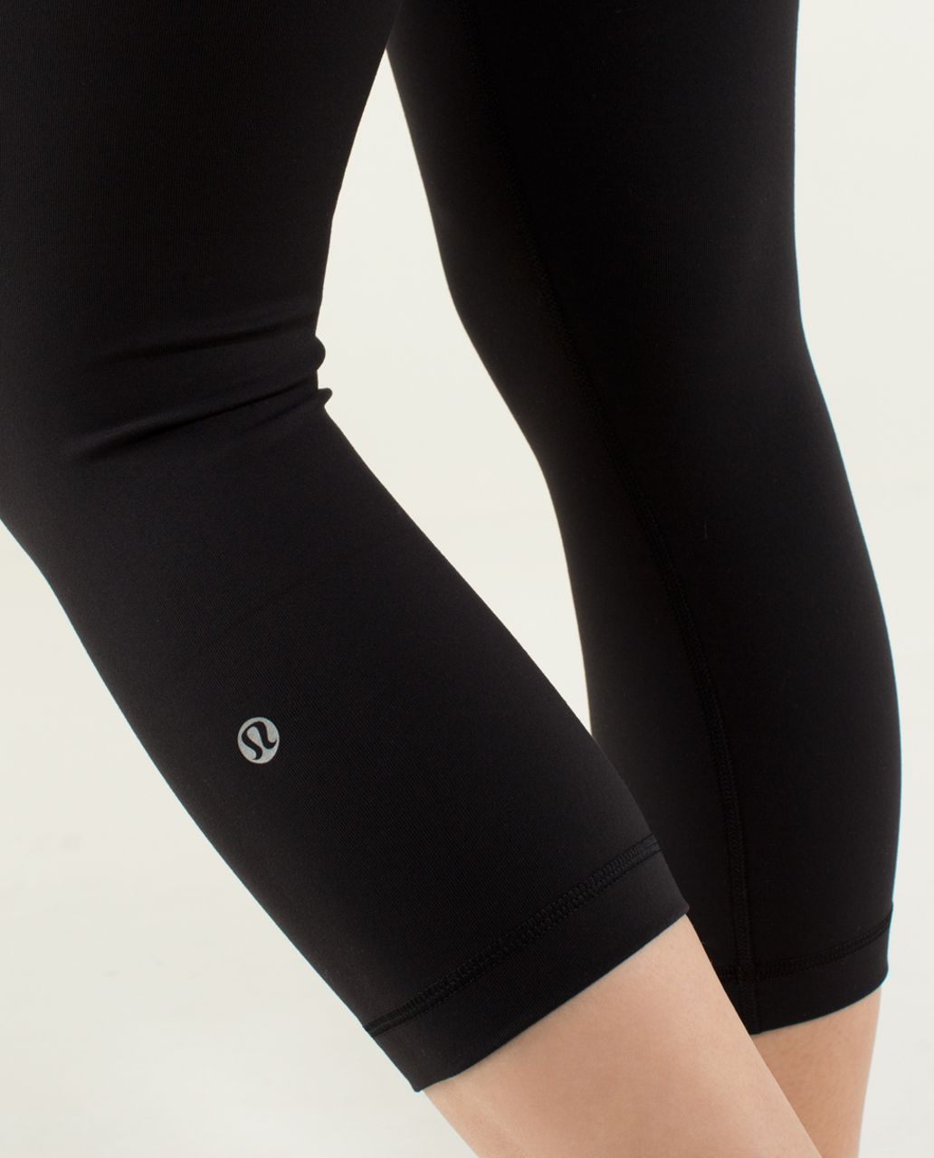 Lululemon Wunder Under Crop *Full-On Luon - Black / Quilt Winter 13-16