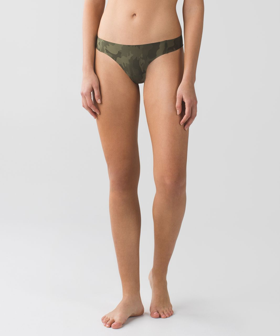 Lululemon Light As Air Thong - Savasana Camo 20cm Fatigue Green / Fatigue Green