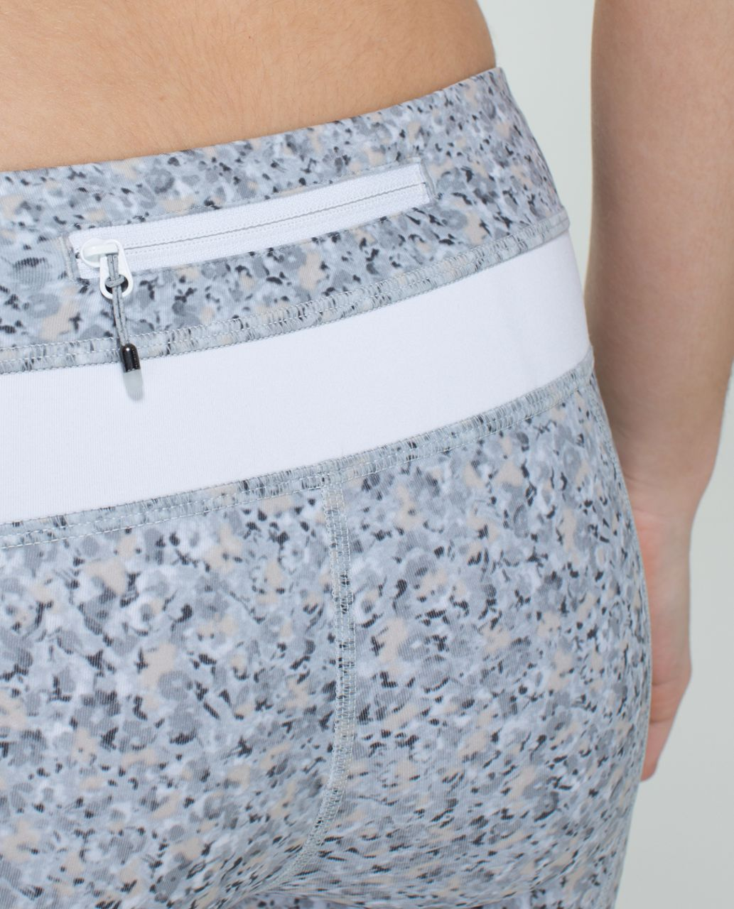 Lululemon Run:  Inspire Crop II *All Luxtreme - Petite Fleur Silver Spoon / White