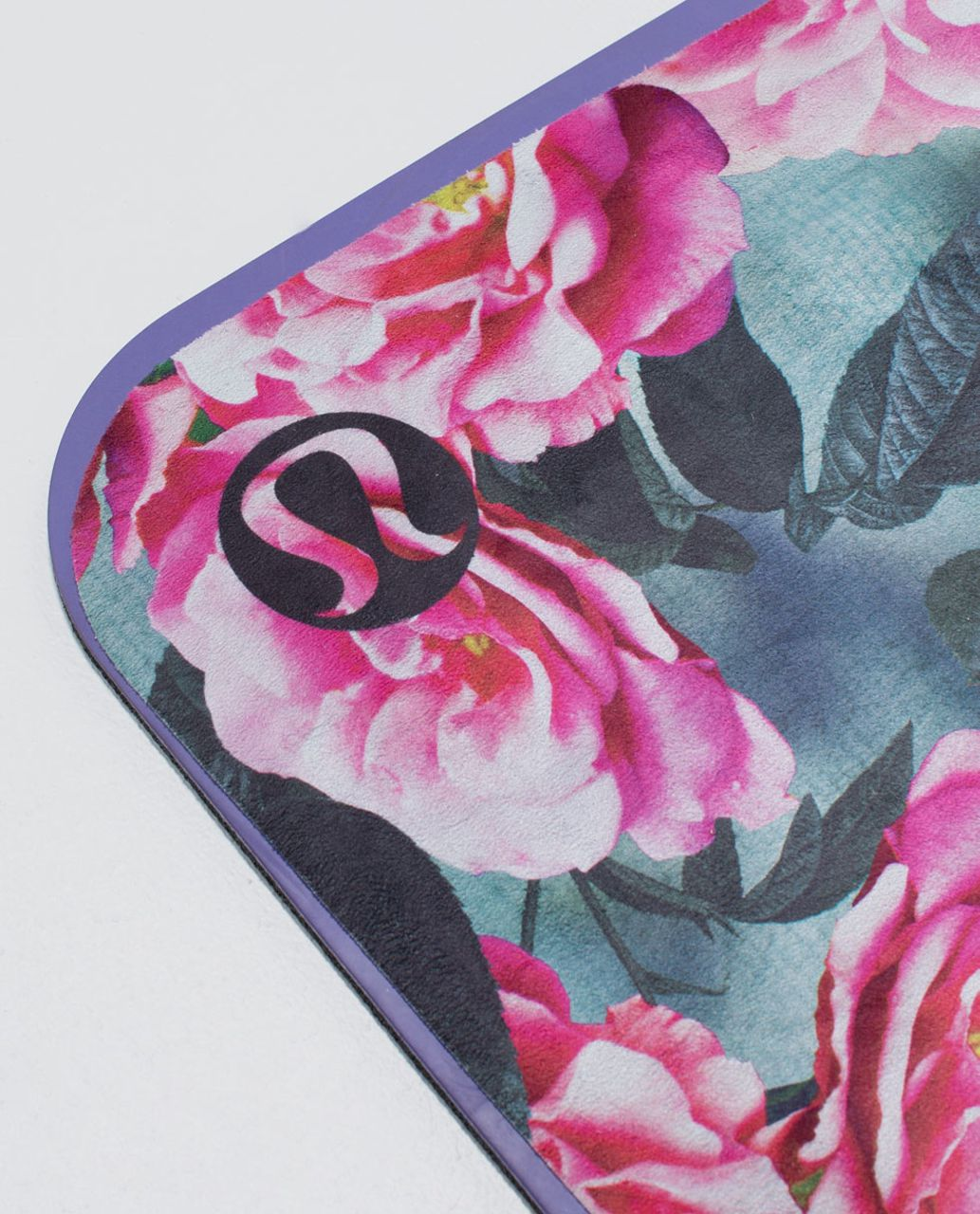 Lululemon The Towel *Printed - Jumbo Secret Garden Multi