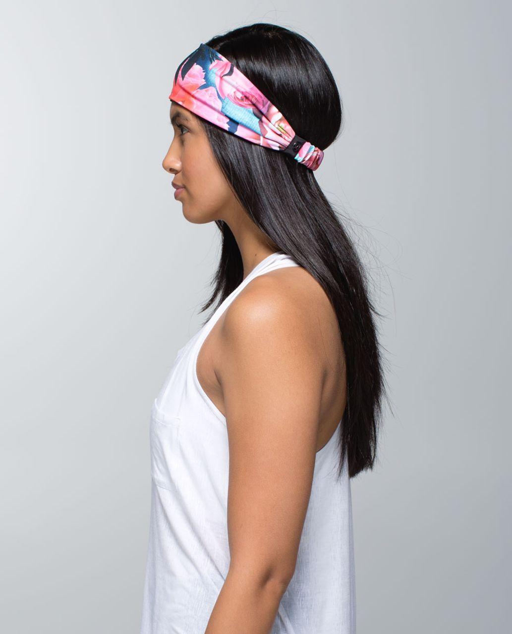 Lululemon Bang Buster Headband *Reversible - Secret Garden / Black