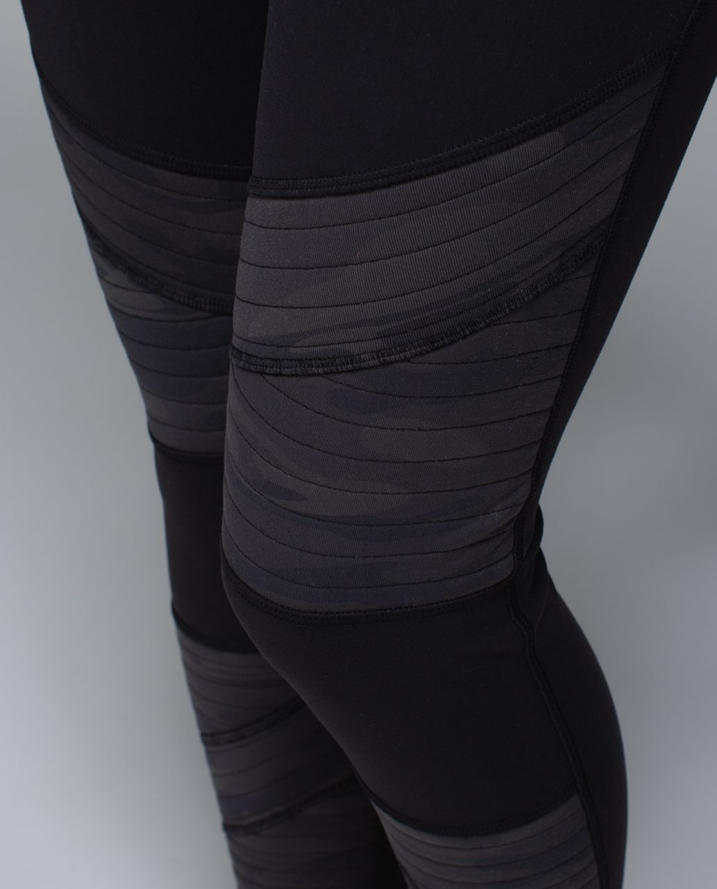 Lululemon Rocket Tight - Black /  Retro Camo