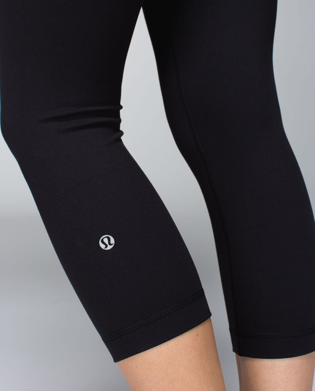 Lululemon Wunder Under Crop *Full-On Luon - Black / Quilt Spring 14-12