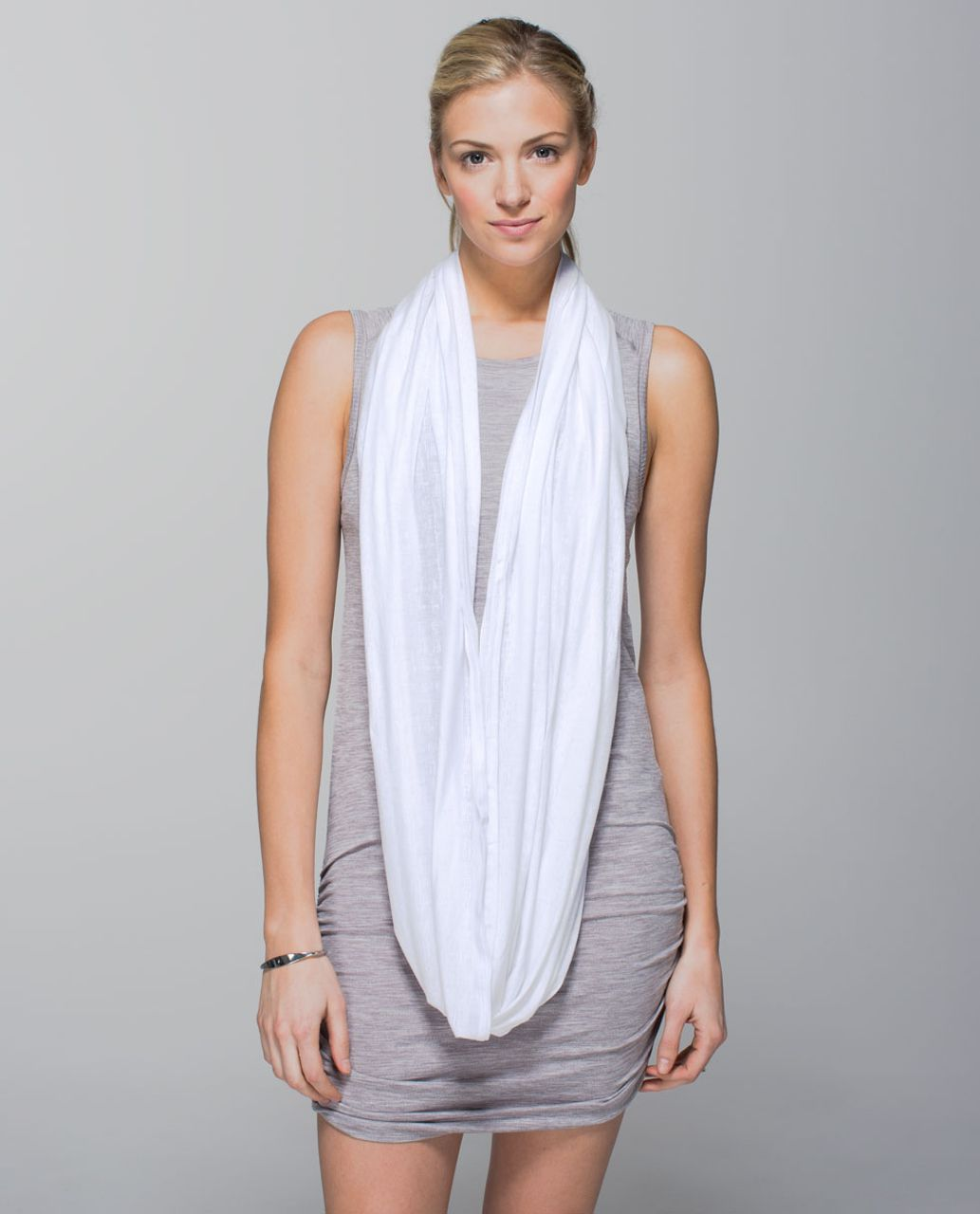 Lululemon Twist & Shout Scarf - Misty Stripe Burnout White