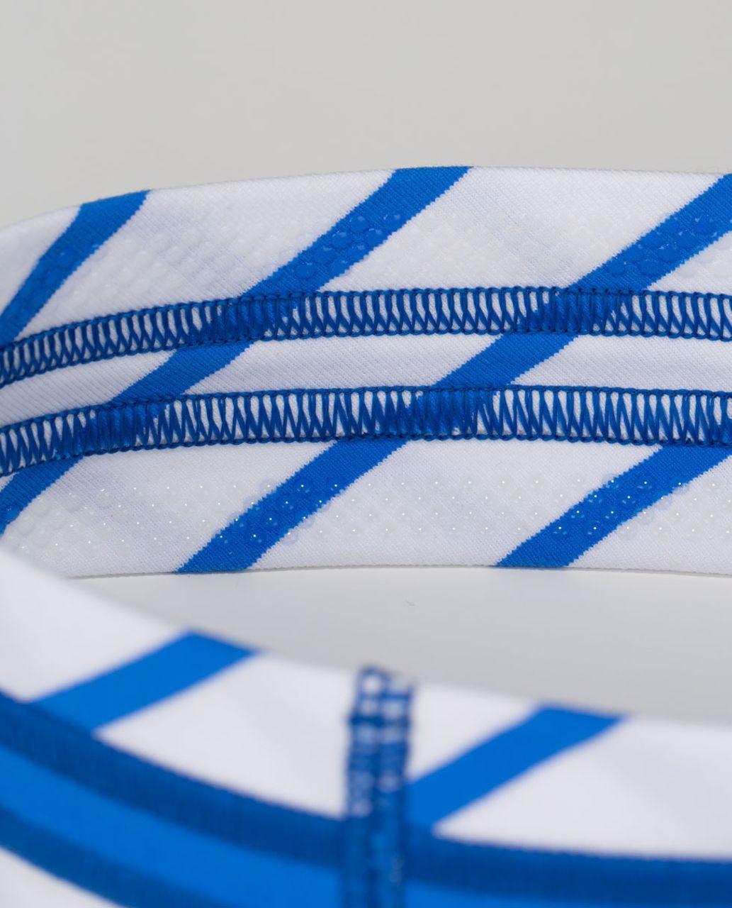 Lululemon Fly Away Tamer Headband *Quilt - Deauville Stripe Pipe Dream Blue White / Pipe Dream Blue
