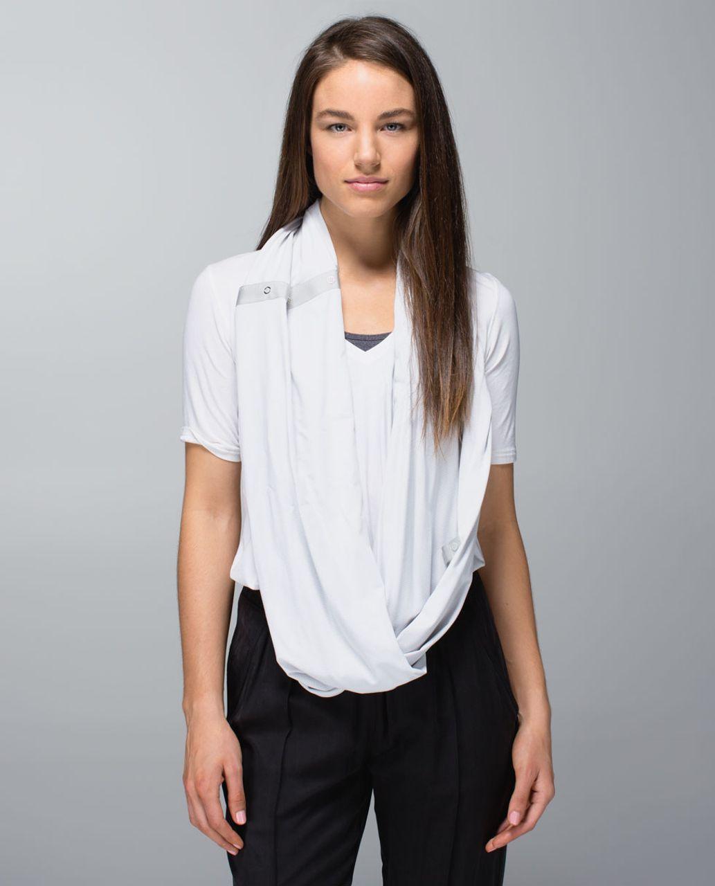 Lululemon Vinyasa Scarf - Wee Stripe White Silver Spoon