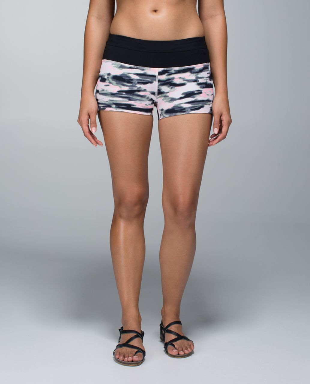 Lululemon Water Bound Short - Wamo Camo Barely Pink / Black