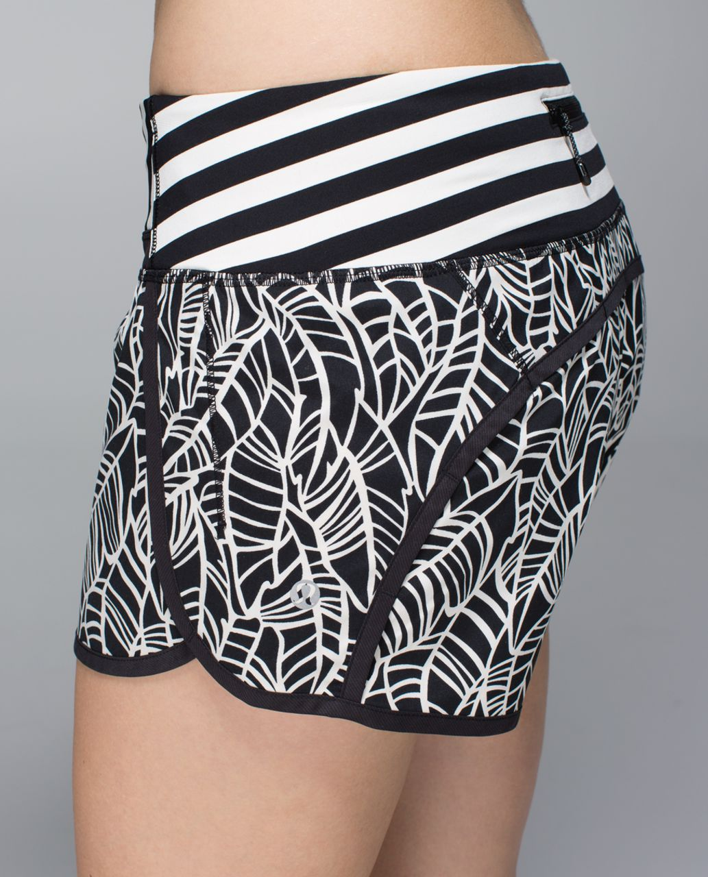 Lululemon Run Times Short *4-way stretch - Pretty Palm Black Angel Wing / Black / Apex Stripe Black Angel Wing