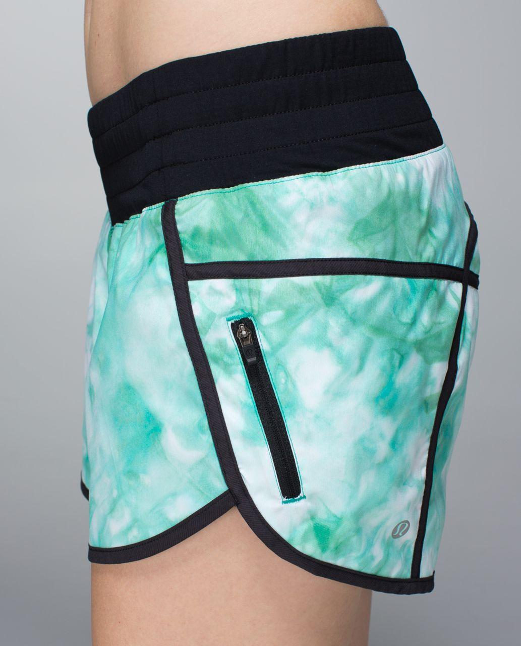 Lululemon Tracker Short II *2-way Stretch - Spray Dye White Blue Tropics / Black