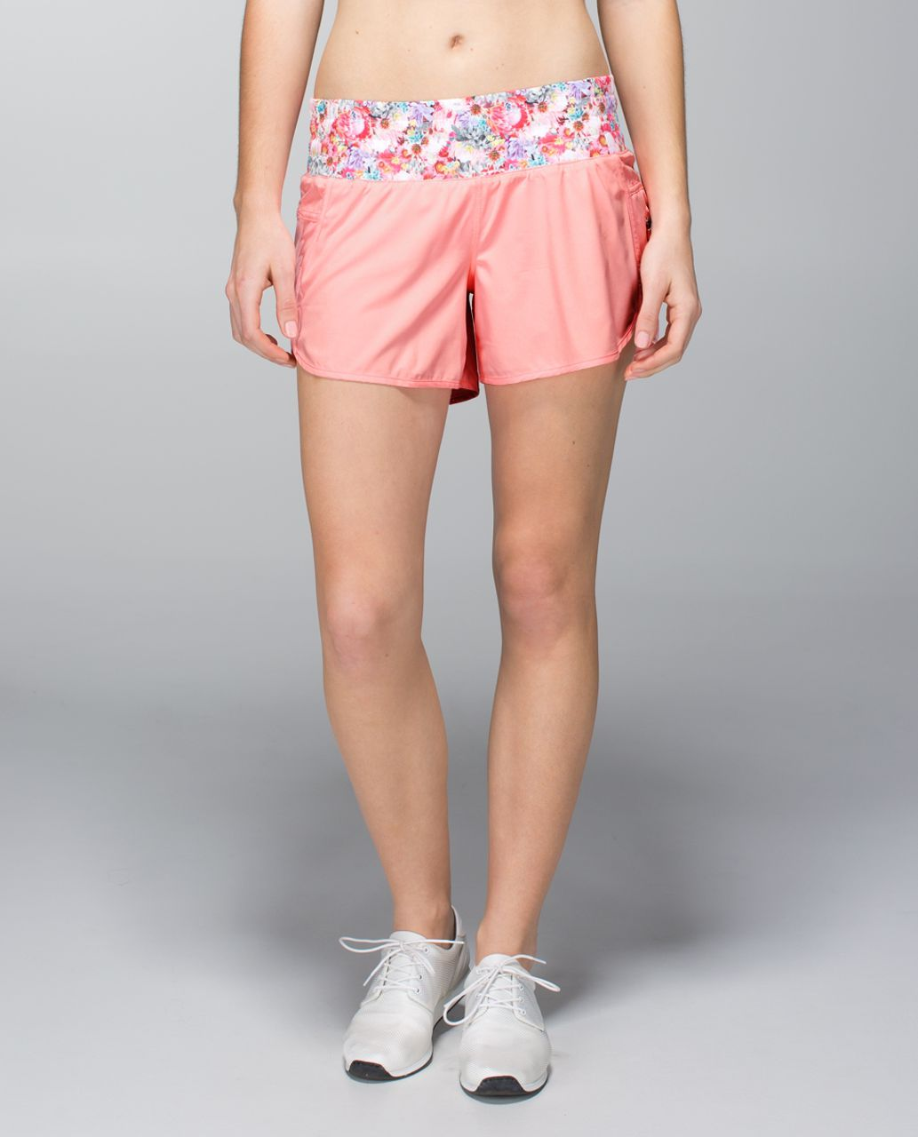 Lululemon Tracker Short II *4-way Stretch - Bleached Coral / Flowabunga Mini Multi